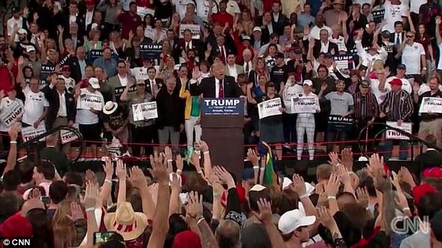 Trump-Raise-right-hand