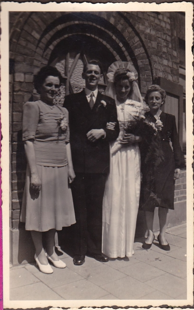 Frank Lydia wedding w mothers